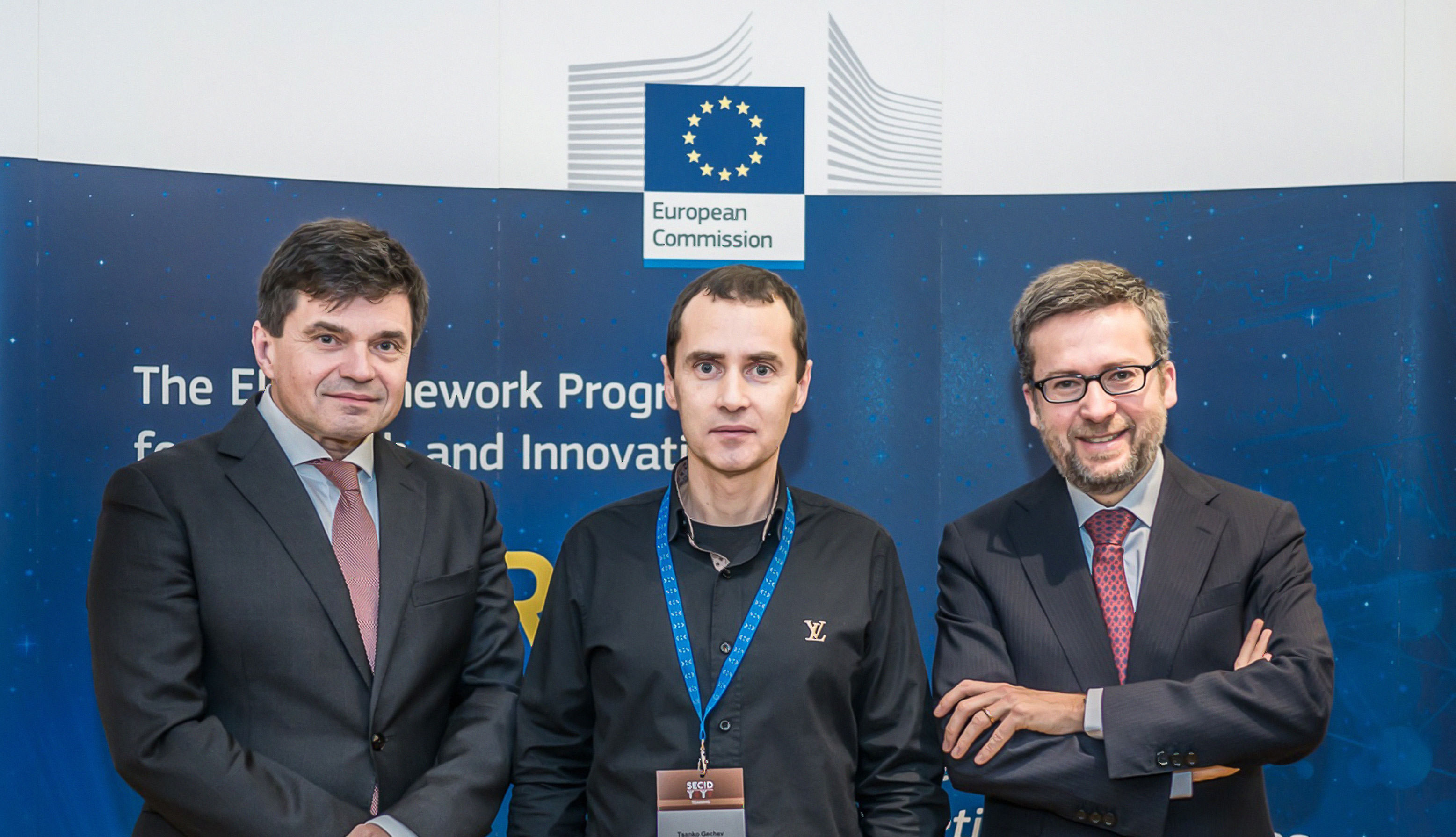 <div class='gray_box' style='opacity: 0.75;text-align:center;font-size:20px;line-height:30px;'> <strong>Meeting of the CPSBB Director Dr. Gechev with the the EU Commissioner for <br>Research and Innovation Carlos Moedas and the Minister of Education, Science, Research and Sport of the Slovak Republic Peter Plavčan